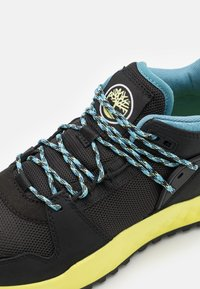 Timberland - SOLAR WAVE - Baskets basses - black/lime - 5