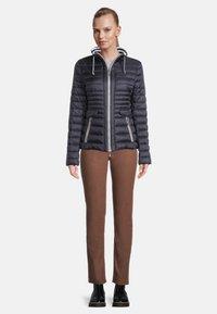 Gil Bret - GIL BRET STEPPJACKE MIT KUNSTDAUNE - Winter jacket - donkerblauw - 2