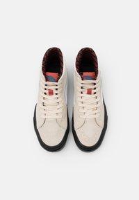 Vans - SK8 GORE-TEX UNISEX - Höga sneakers - turtledove/marshmallow - 3