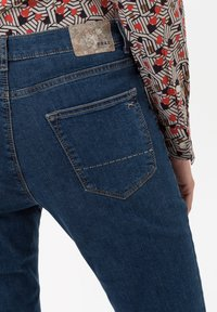 BRAX - STYLE CAROLA - Slim fit jeans - clean regular blue - 4