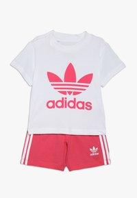 adidas Originals - TEE SET - Shorts - white/pink - 0