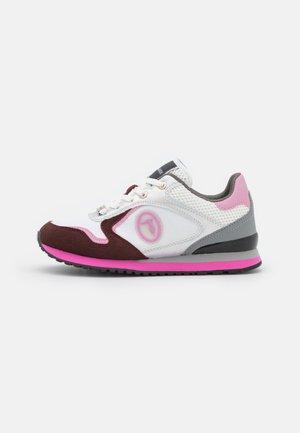 KIWI MIX - Trainers - white/pink