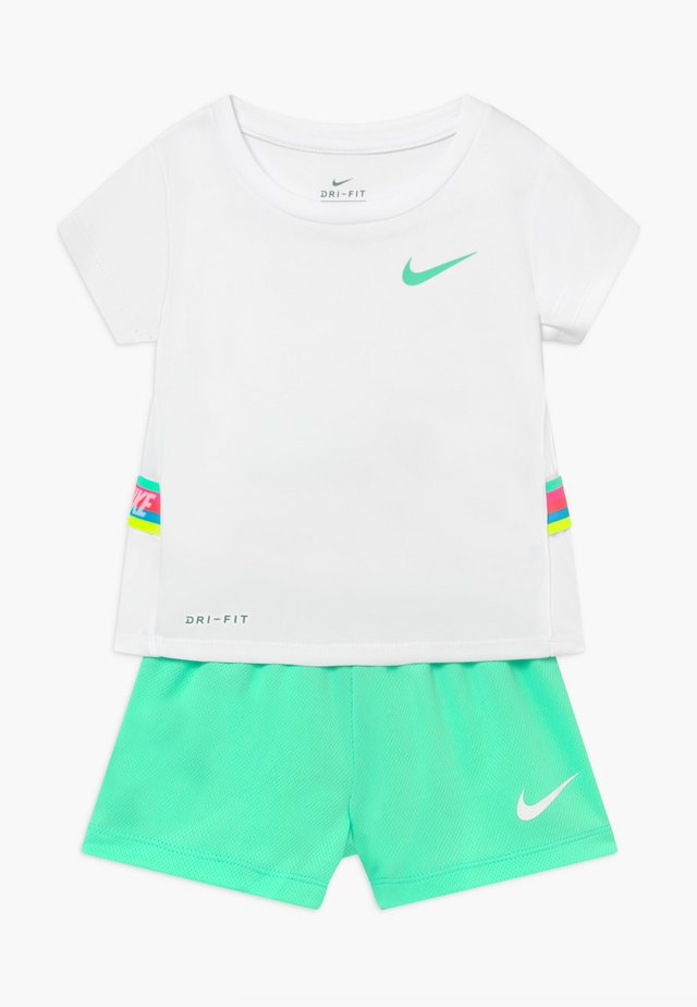 TAPE TEE SET - Jogginghose - green glow