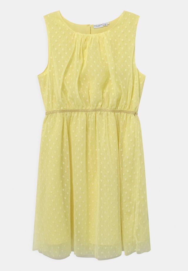 NKFVABOSS SPENCER - Cocktail dress / Party dress - yellow pear