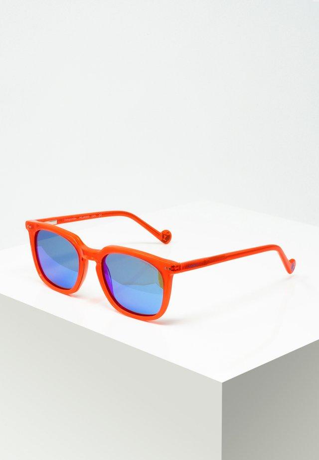MAXI - Occhiali da sole - red