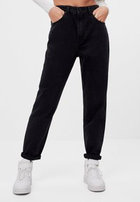 Bershka - MIT UMSCHLAG  - Relaxed fit jeans - black - 0