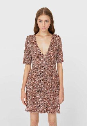 MIT VOLANT - Denní šaty - beige