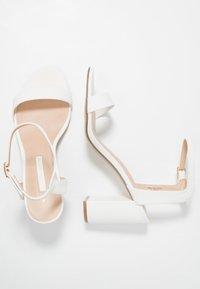 Dorothy Perkins - SHIMMER BLOCK - Sandaler med høye hæler - white - 3