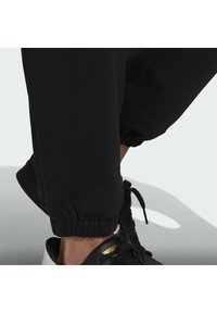 adidas Originals - PREMIUM SWEATP TREFOIL ESSENTIALS ORIGINALS TRACK - Tracksuit bottoms - black - 4