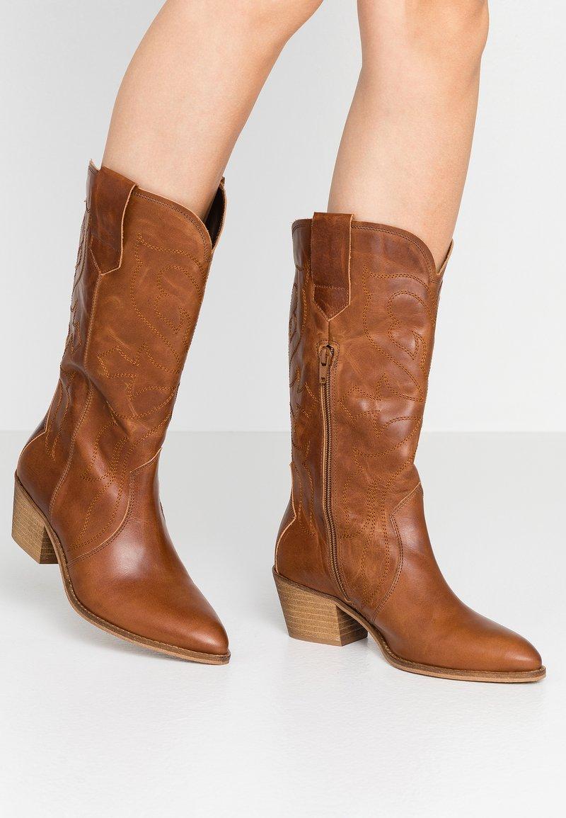 RE:DESIGNED - RYLEE - Cowboy/Biker boots - cognac
