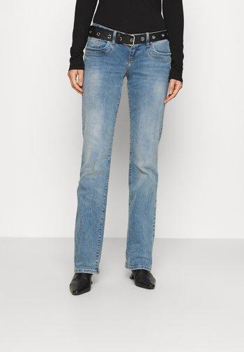 VALERIE - Bootcut jeans - zinnia wash