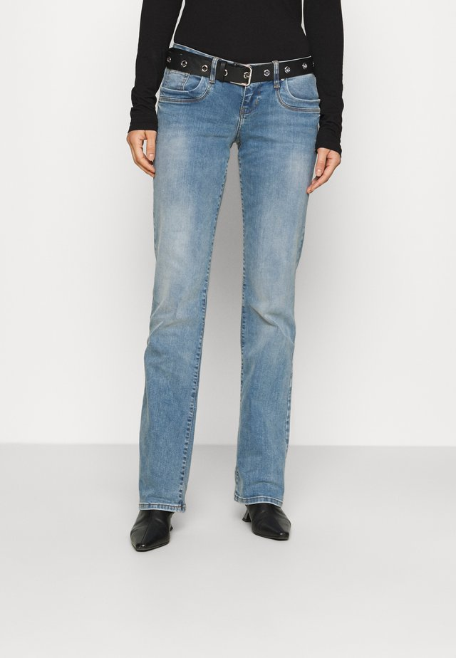 VALERIE - Bootcut jeans - zinnia wash