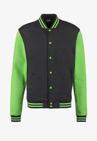 black/light green