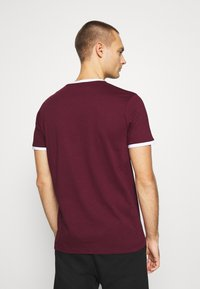 Ellesse - MEDUNO RINGER - Print T-shirt - burgundy - 2