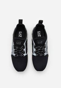EA7 Emporio Armani - UNISEX - Zapatillas - black/silver - 3