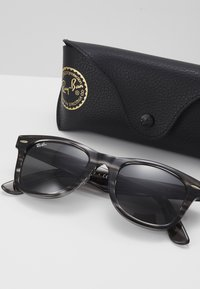 Ray-Ban - WAYFARER - Sluneční brýle - black - 2
