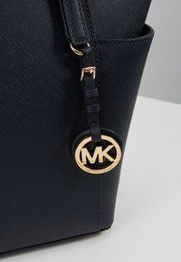 MICHAEL Michael Kors - JET SET - Handtasche - admiral - 6