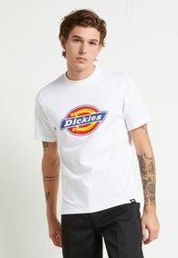 Dickies - HORSESHOE TEE - T-shirt con stampa - white - 0