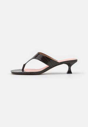 SYDNEY - T-bar sandals - deep mahogany