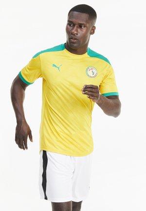 SENEGAL STADIUM - T-shirt med print - dandelion-pepper green