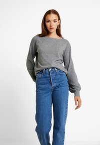 Vero Moda - VMBRILLIANT BOAT BALLOON - Jumper - medium grey melange - 0