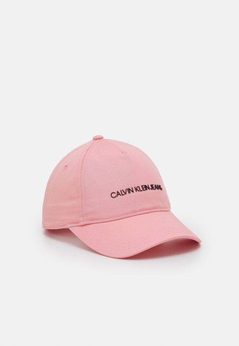 Calvin Klein Jeans - INSTITUTIONAL LOGO BASEBALL UNISEX - Kšiltovka - pink