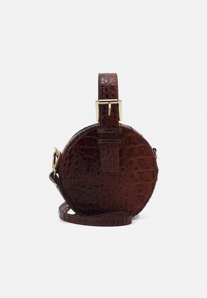 Steve Madden - CROSSBODY BAG - Handbag - cognac
