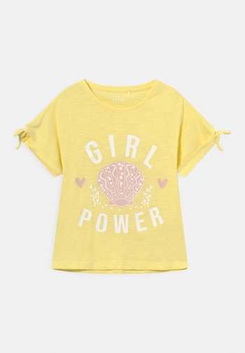 NMFVEET - Print T-shirt - yellow pear