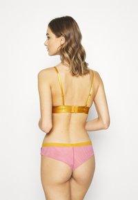 Dora Larsen - MEGHAN PADDED TRIANGLE - Triangle bra - medium purple - 2