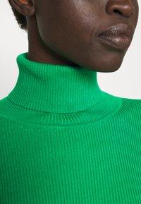Lauren Ralph Lauren - TURTLE NECK - Neule - vivid emerald - 6