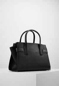 MICHAEL Michael Kors - CARMENLG FLAP BELTED SATCHEL - Handbag - black - 2