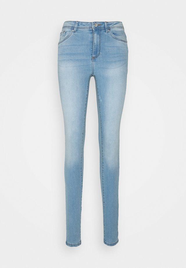 VMTANYA PIPING - Jeansy Skinny Fit - light blue denim