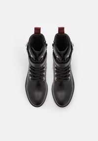 Claudie Pierlot - ANNABELLE - Platform ankle boots - noir - 5