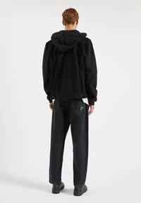 PULL&BEAR - Džínová bunda - metallic black - 2