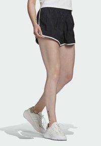 adidas Originals - 3 STRIPES ADICOLORSHORTS - Shorts - black - 2