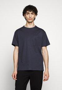 Filippa K - BRAD - Jednoduché triko - ink blue - 0