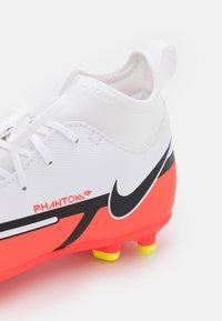 Nike Performance - JR PHANTOM GT2 CLUB DF FG/MG UNISEX - Moulded stud football boots - white/bright crimson/volt - 5