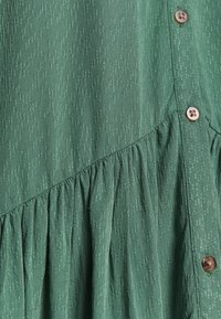 TOM TAILOR DENIM - WITH BUTTON DOWN PLACKET - Shirt dress - vintage green - 2