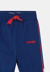 Levi's® - COLORBLOCK - Trousers - estate blue - 2