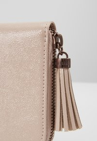 Ted Baker - VONNI - Lommebok - nude/pink - 2
