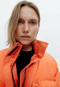 Uterqüe - Down jacket - orange - 3