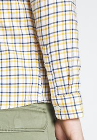 Lee - SLIM FIT - Camicia - golden yellow - 5