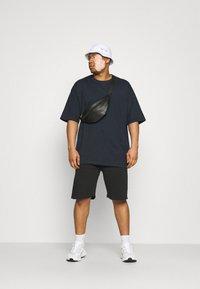 Shine Original - OVERSIZED TEE BIGUNI - T-shirt - bas - navy - 1