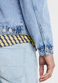 New Look - TRANS BASIC  - Denim jacket - light blue - 4