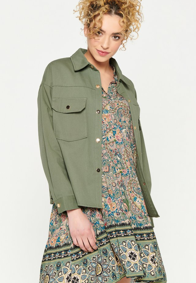 WITH CHEST POCKETS WITH FLAP - Summer jacket - khaki