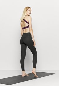 HIIT - LACED FRONT LEGGING - Leggings - black - 2