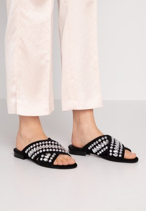 RICH - Pantofle - black