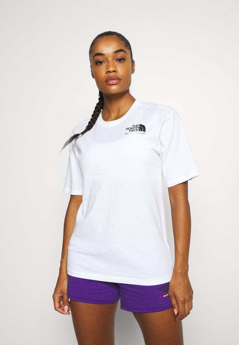 The North Face - RAINBOW TEE - Print T-shirt - white