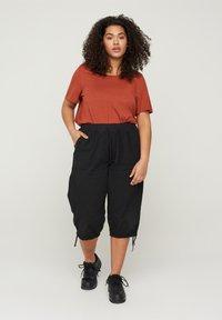 Zizzi - Shorts - black - 0