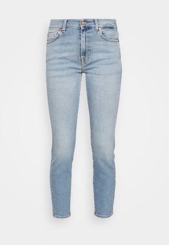 ROXANNE LUXVINBRISID - Džíny Slim Fit - light blue